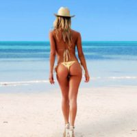 brazilian_bikini_babes_have_the_best_bums_02