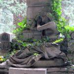 cimitirul vesel24