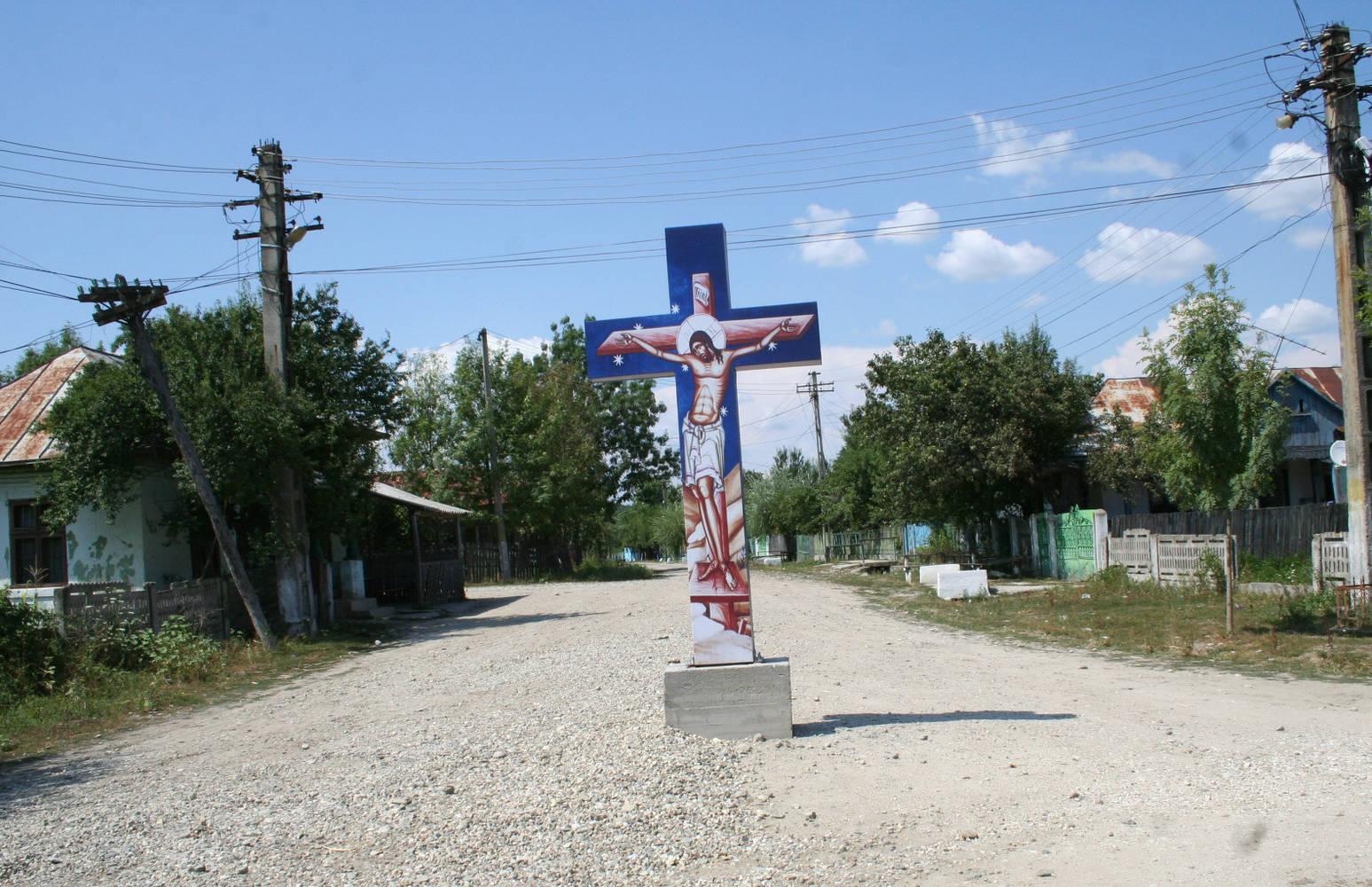 idioti cu cruce