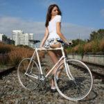 femei pe bicicleta (6)