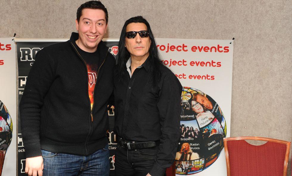 Sorin Sararu, organizator Project Events pozeaza alaturi de solistul trupei Manowar,  Joey DeMaio, la finalul unei conferinte de presa organizate cu ocazia OST Fest in Bucuresti, vineri, 16 martie 2012. DIANA STOICA / MEDIAFAX FOTO