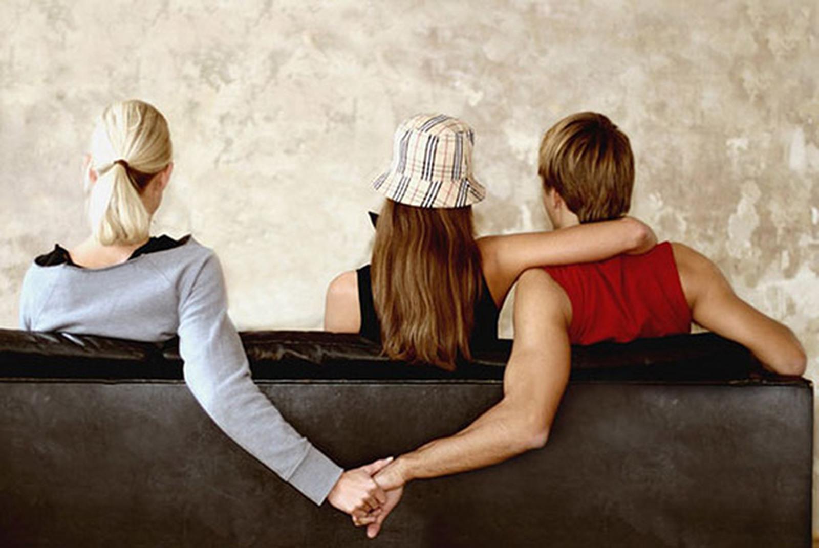 Dex flirta, flirta, definiţie flirta, naser-restaurant.ro